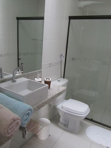 Banheiro suíte 1 (1°andar)