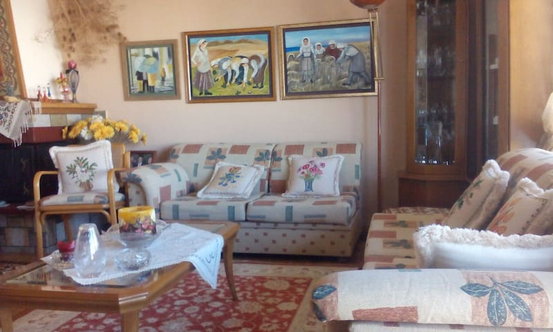 Spacious flat with great view - Kavala - Haus