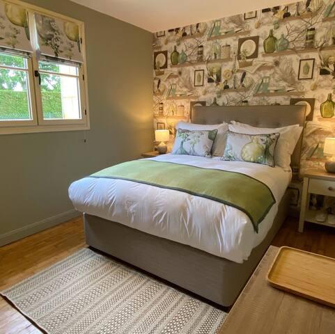 Vinzac Bedroom