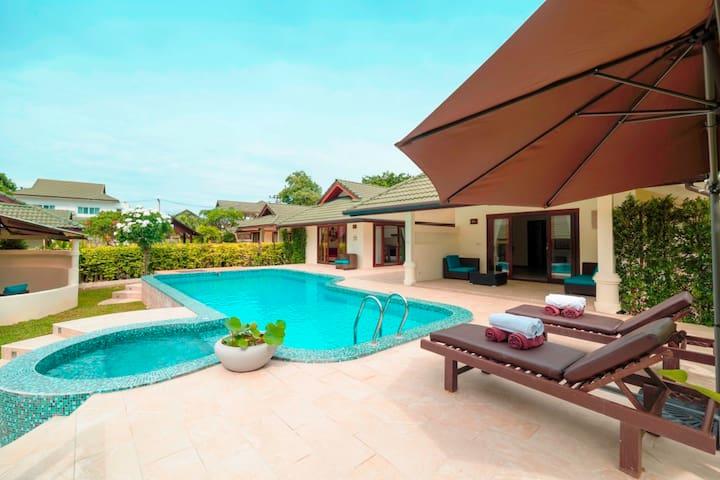 Blue Lotus 1 BR junior pool &beach idyllic villa