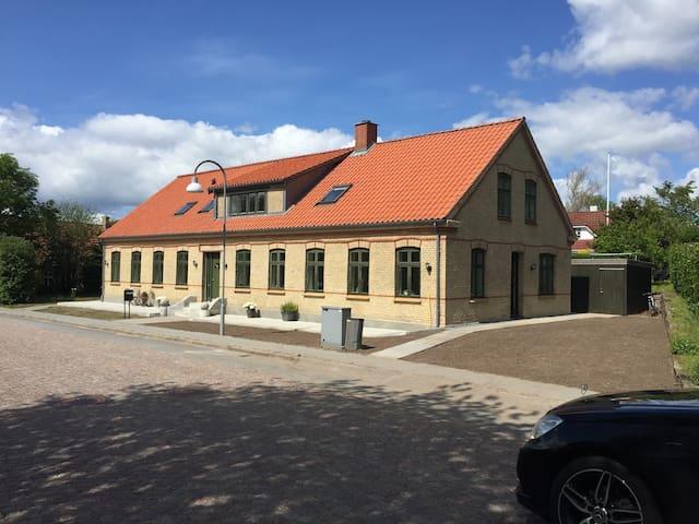 Den Gamle Kro i Sønder Tranders - nyrenoveret