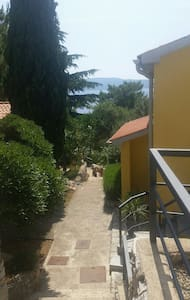 Apartment Luna 90 m from sea **** - Cres - Huoneisto