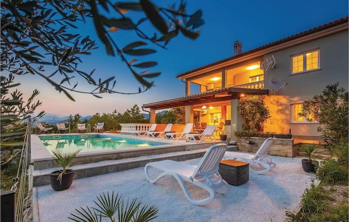 Awesome home in Smrika with WiFi and 6 Bedrooms