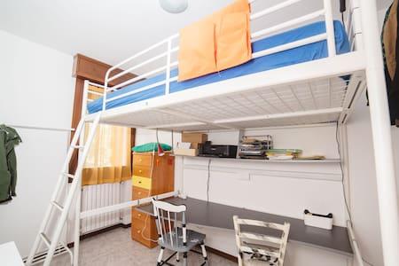 Camera singola con letto soppalco - Albignasego