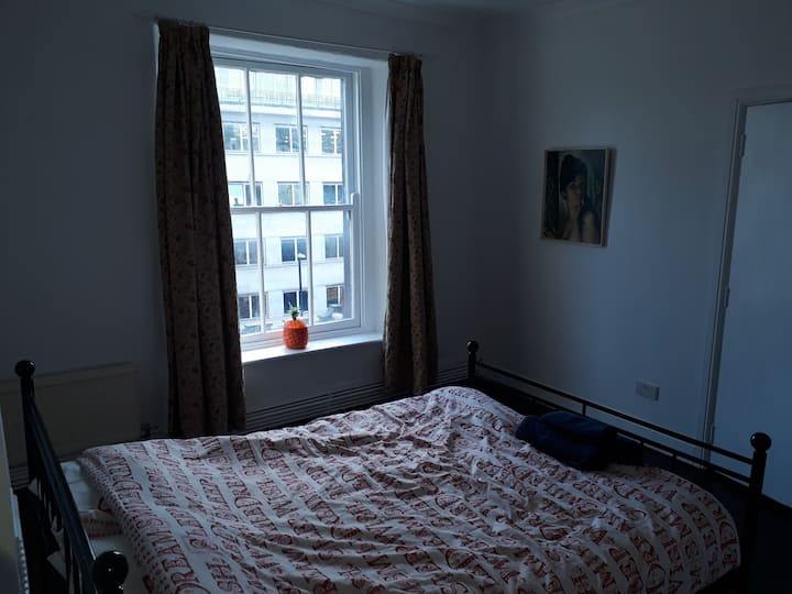 Furnished Vintage room in Centre of Bristol (24)