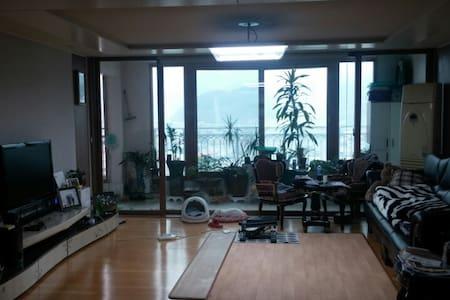 일반가정용 50평형 아파트임^. 넓게 공간확보가 되고 편리합니다 - Dalseong-gun - Apartmen