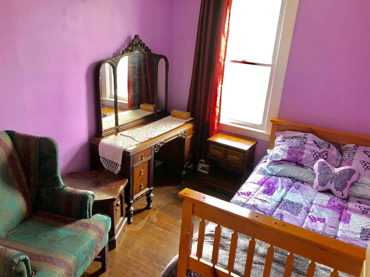 Freshly painted, brand new linens and a comfy chair what more could you ask for?