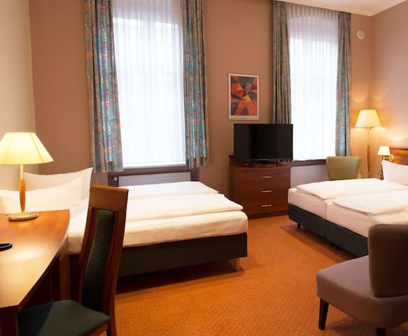 Rewari Hotel Berlin - our 4-bed-rooms