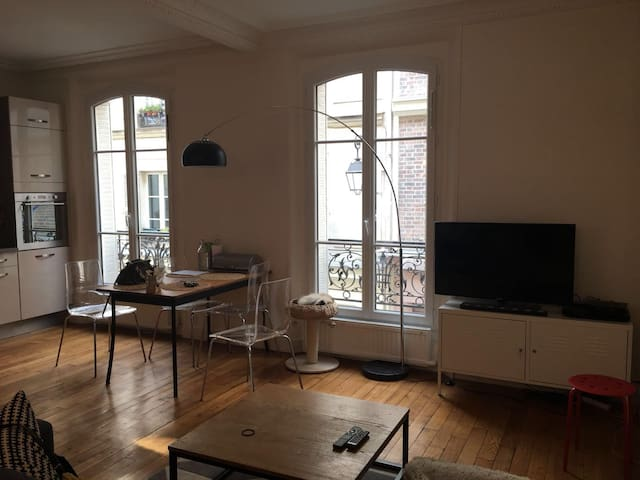 60 m2 Paris quartier batignolles métro Villiers