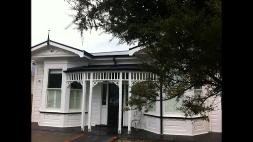 Island Bay Stylish Villa