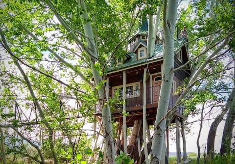Fantasy Treehouse and Resort