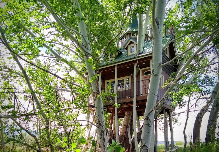 Fantasy Treehouse and Resort
