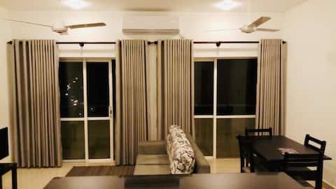 Luxury 3 BR condo-LUXE Highway Residencies Kottawa
