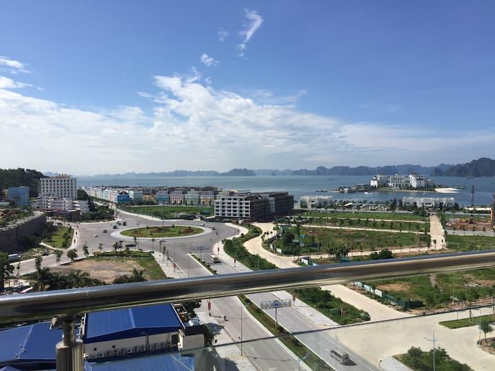 Oceans in sight - Homestay Ha Long