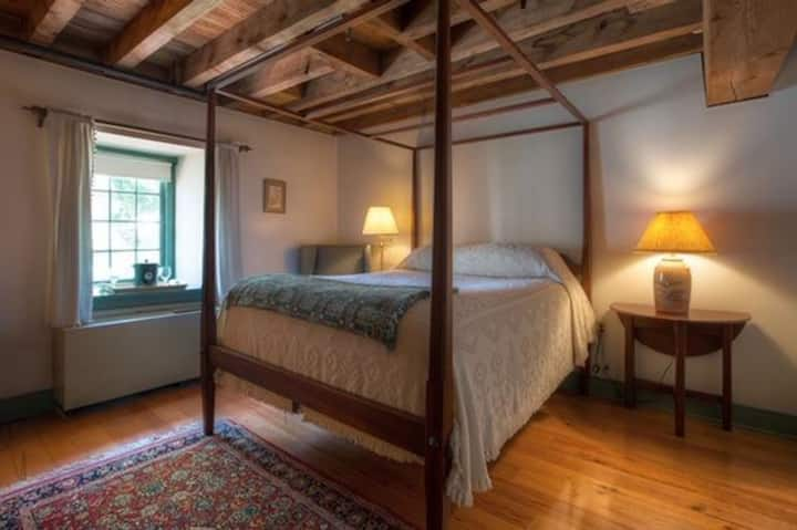 Mill Room 9 at The Inn at Millrace Pond
