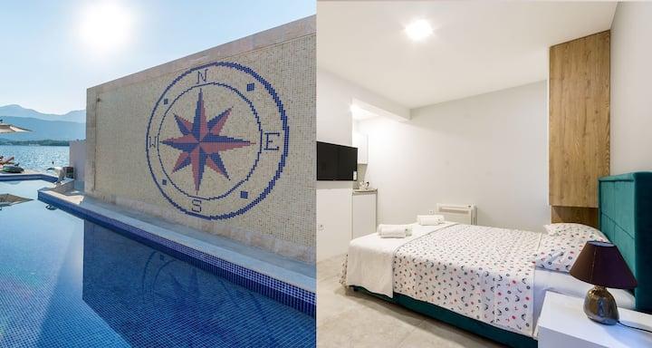 """Apartment """"Faro"""" in villa by the sea"""
