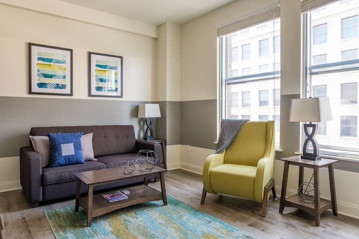 Signature Downtown 2BR Apt