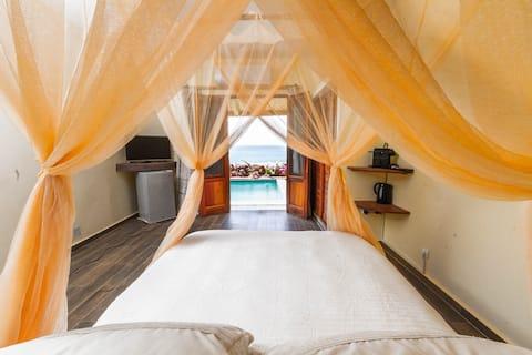 VILLAS BADIENE: Chambre accès direct plage piscine