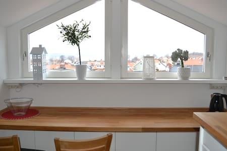 Mysig lägenhet med fantastisk utsikt över Vättern - Jönköping - 公寓