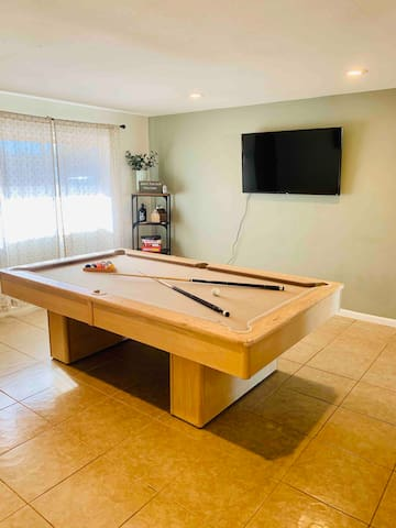 Fun Tempe Home with Jacuzzi and Pool Table