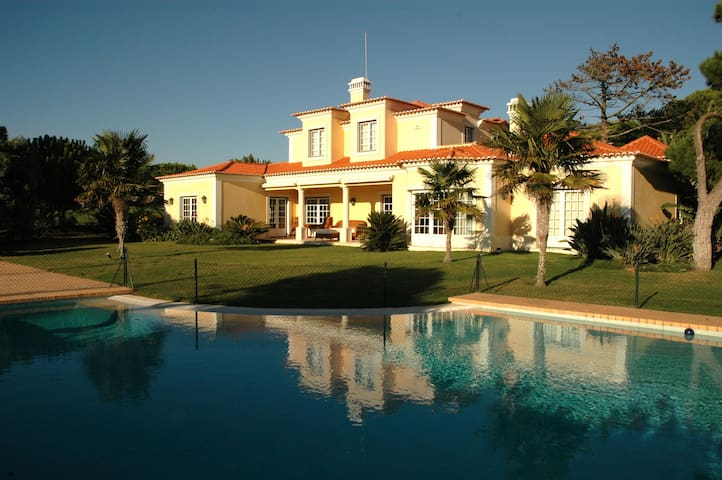 Stunning family house by the golf