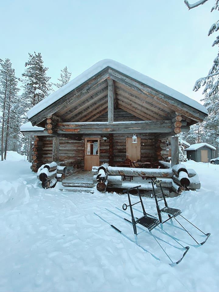 Cozy log cabin in Finnish Lapland