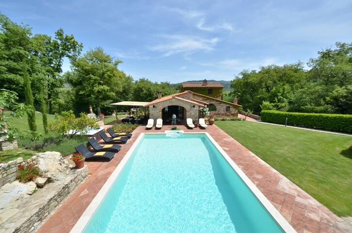 Chianti luxury home with private park. - Gaiole In Chianti - Villa