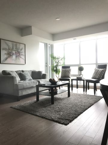 Modern and Cozy Toronto Condo + Parking