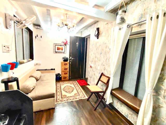 Independent One Bedroom Apartment Bandra w-Mumbai.