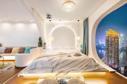 【梦境】解放碑洪崖洞双地铁圣托里尼风甜橙江景投影浴缸大床房