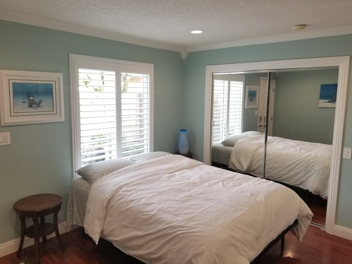 New Private Bedroom(C) in Fountain Valley, CA!