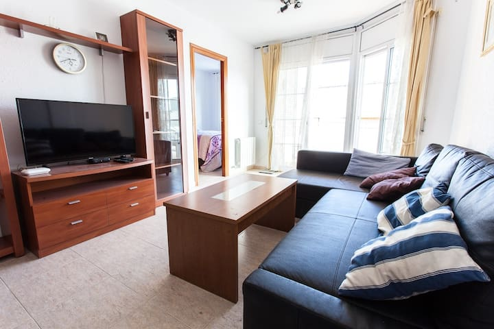 3 bedroom apartment,  200m to the sea