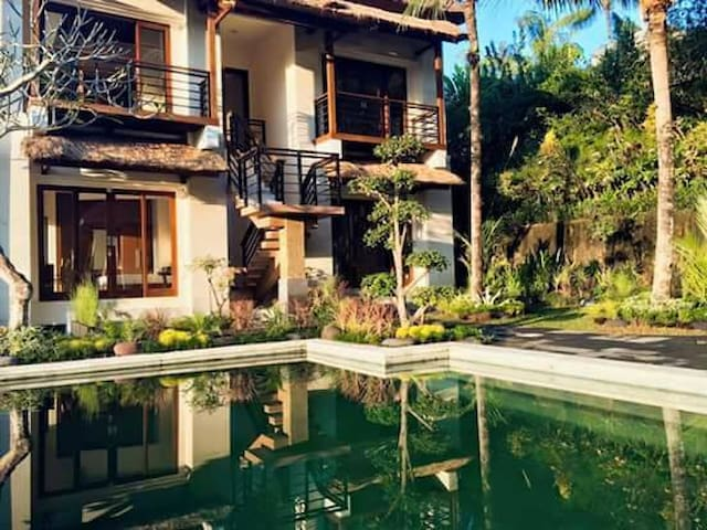 Villa on a hill: an infinity pool & jungle view - Payangan - 別墅