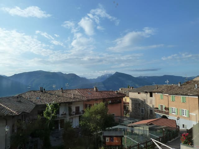 Trentino. Stunning views, walkers' paradise - Villa Lagarina - Apartment