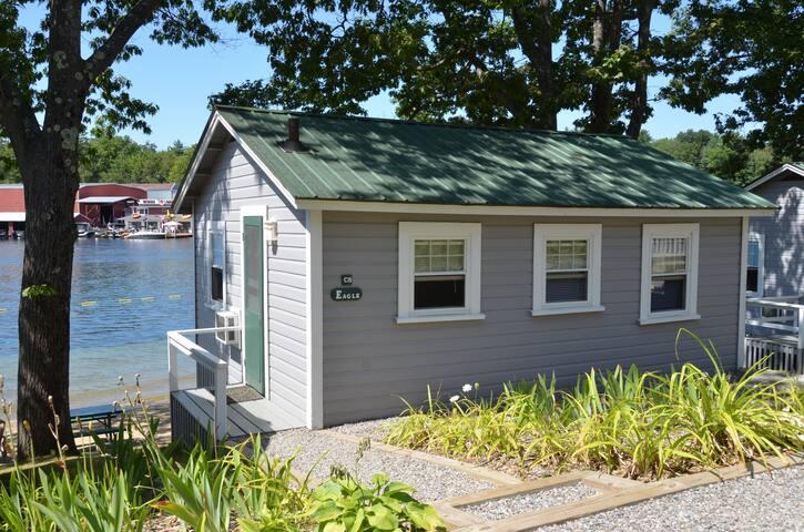 Lakefront Cottage on Winnipesaukee