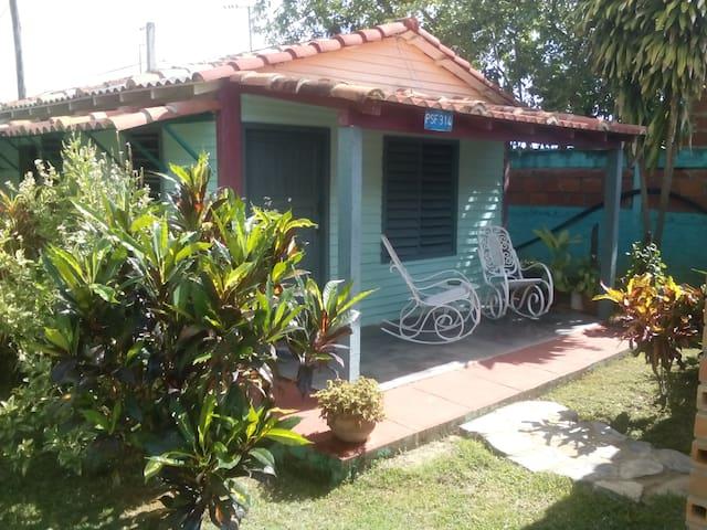 Cabana in Vinales, opposite the Botanical Garden