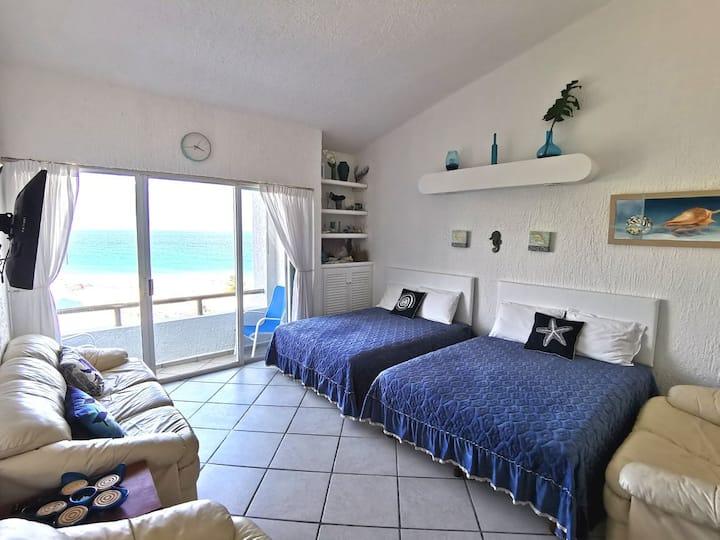 Cancun Hotel Zone Beachfront+pool. Luxury Studio B