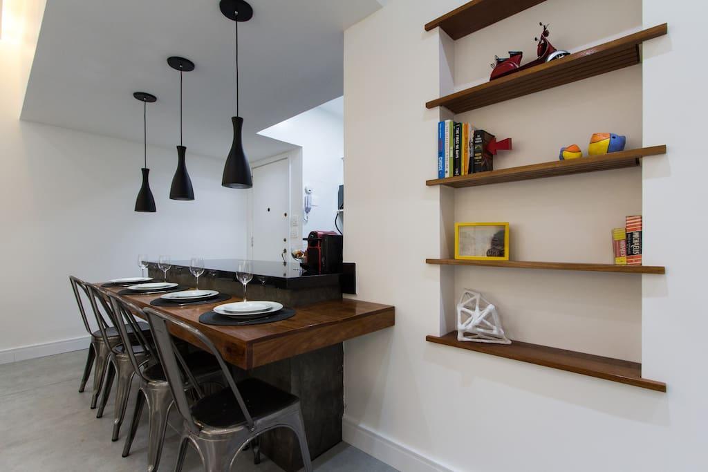 Cozinha americana, nicho decorativo da sala de estar