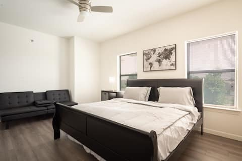 ✅ Spacious Quiet Luxury Home Fast WiFi King Beds ✅