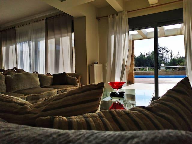 Luxusvilla mit privatem Pool