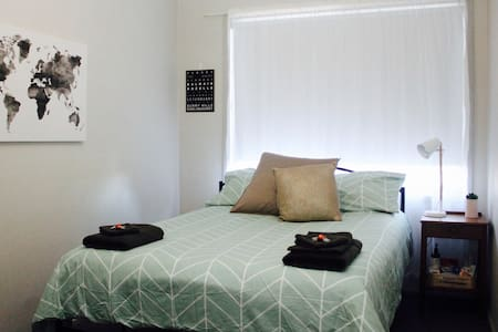 Comfortable private room in Sydney's village - Annandale - Σπίτι