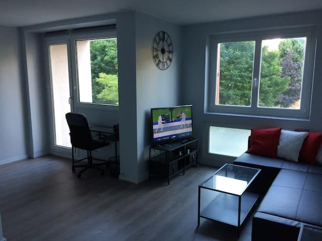 T1 bis moderne à Versailles - Wersal - Apartament