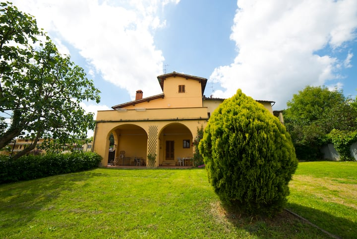 Florentine Traditional Country Home