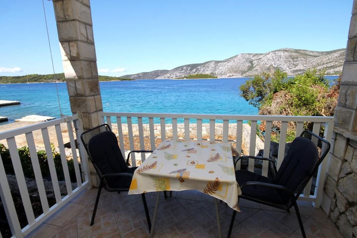 Studio flat near beach Kneža (Korčula) (AS-9166-a)