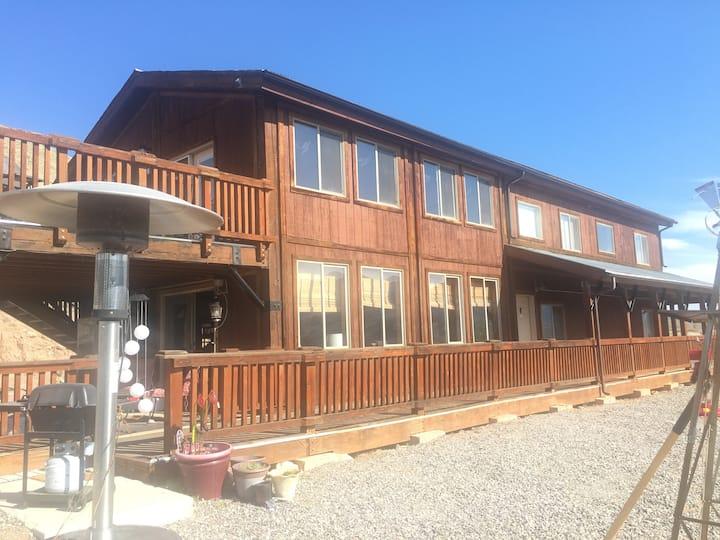 Paiute Trail - Bullion Canyon Lodge Upstairs