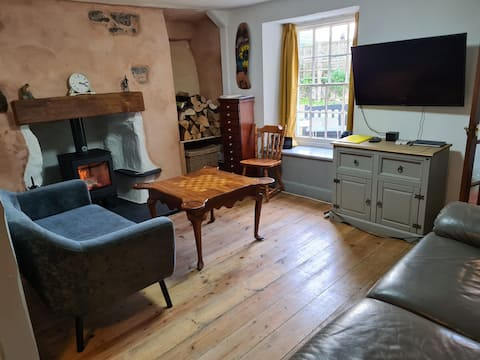 2 Bedroom Cottage near the harbour in Lympstone