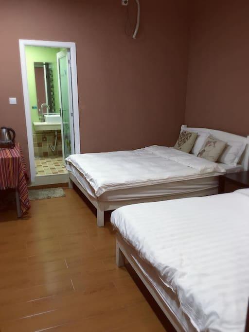 110聚瀚1.5米双床(可入住4人)