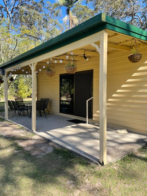 Cute cottage near Bells Creek on 1 acre very quiet