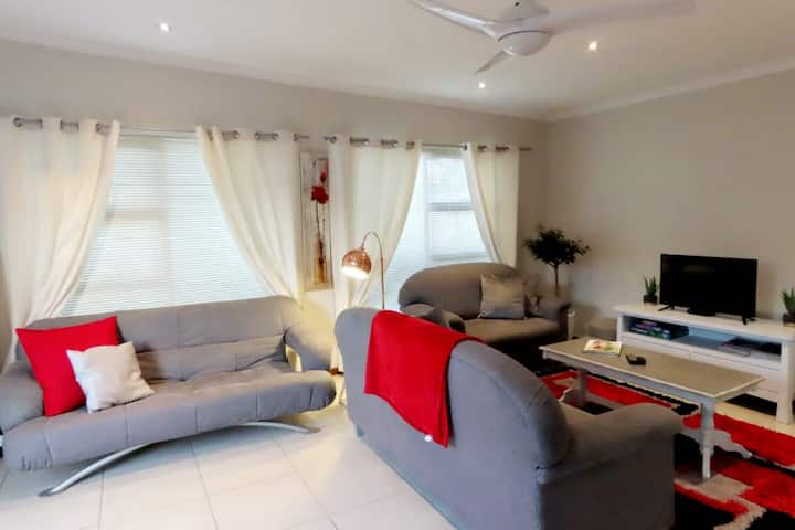 Walmer Downs - Large self Catering  Accomodation