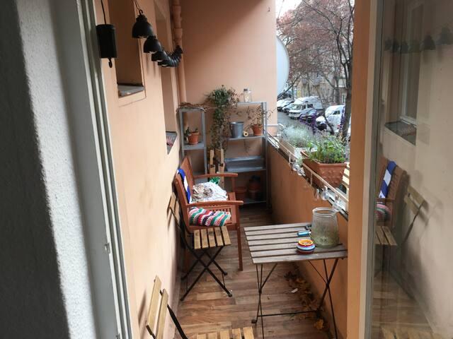 Gemütliche Wohnung mit Balkon in Neukölln